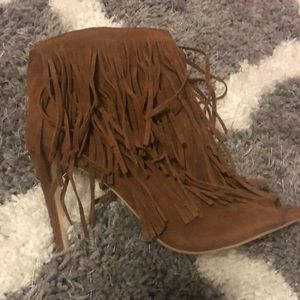 Fringed brown peep toe boots with heel